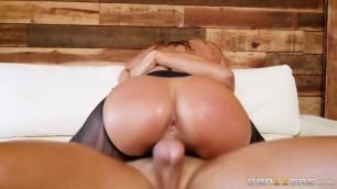 Brazzersexxtra Busty Woman Vivian Azure The Allure Of Azure Taya Valkyrie Nude