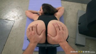Brazzers - BrazzersExxtra Kendra Lust And Her Personal Trainer's Hard Dick Session porn movies 3