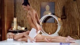Topless Handjob Julia Parker And Lexi Dona Massagеrооms