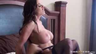 Brazzers - MilfsLikeItBig Hot Woman Kendra Lust He took off on a home camera hot fuck