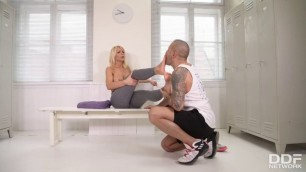 Teen Blowjob Tiffany Rousso Post Workout Footjob