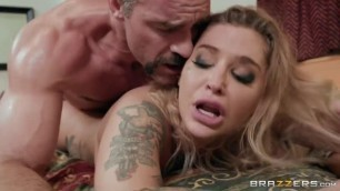 Kleio Valentien sexy blowjob ZZ Motel Dicking The Drifter