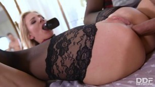 Horny Pussy Nathaly Cherie 50 Shades Deeper