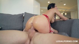 Veronica Avluv Young Pissy