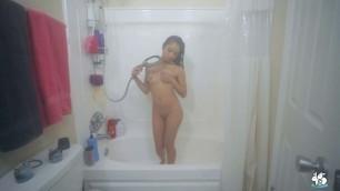 Avery Black Wet Pussy Cuming