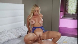Seductive Mother Brandi Love Tell Me What You Want