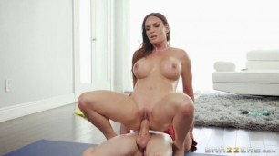 Busty Black Diamond Foxxx Jordi El Nino Polla Massaging The Milf Milfs Like It Big Brazzers The Great Fuck