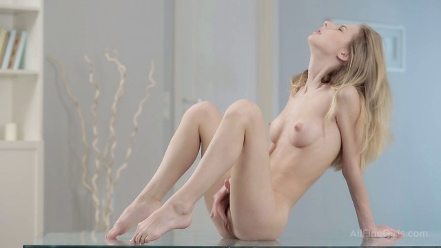 18 Only Babes Nikia Open To Everything Goldie Baby